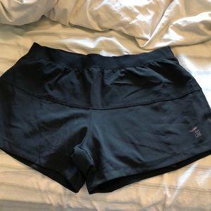Women's nine line apparel shorts